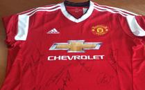 Vinn signert Manchester United-drakt!