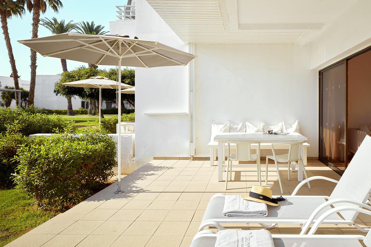 Sunwing Sandy Bay Beach - 2-romsleilighet Royal Family Suite med terrasse mot hagen