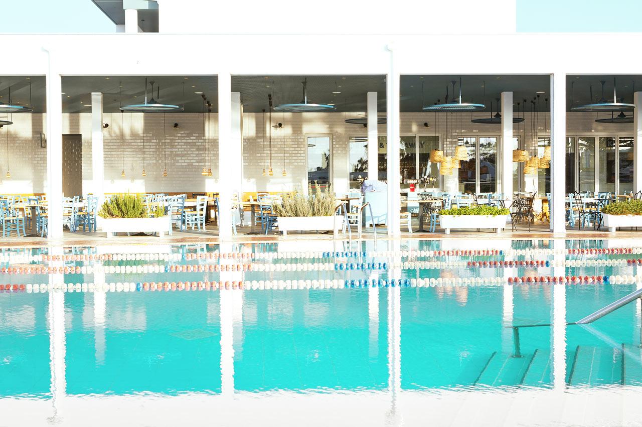Sunwing Sandy Bay Beach - Sportsbassenget er perfekt for de som vil starte dagen med en svømmetur.