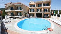 Konstantinos er et hotell for voksne.