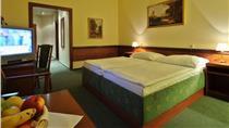 Three Crowns Hotel